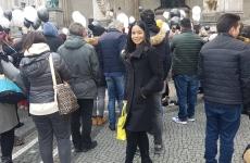 Münih'in Tarihi Meydanı ' Odeonplatz ' da Vatandaşlar GAZİ MUSTAFA KEMAL ATATÜRK'ü Andı